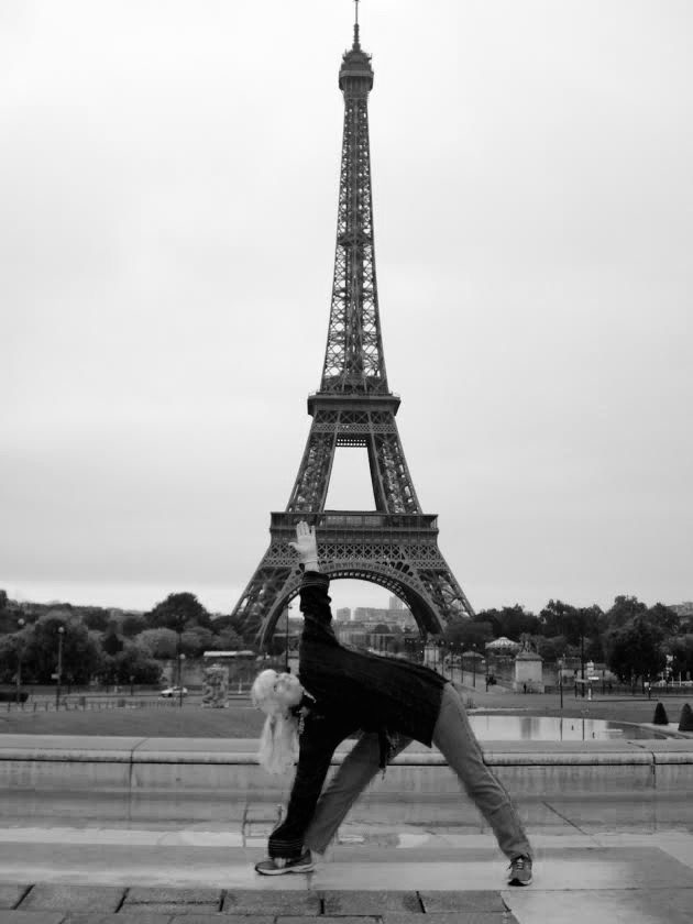 how yoga teachers' pose in paris