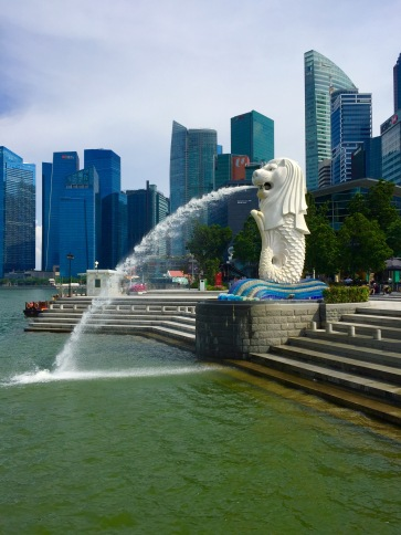 merlion park and a modern city backdrop, 2017