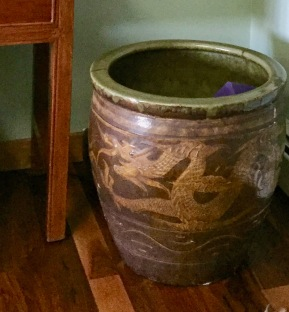 dragon pot